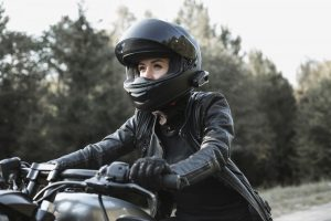 Guide to Choose Helmets for Women Motorcyclists