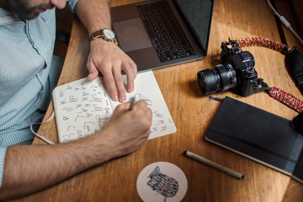 4-easy-ways-to-build-an-attractive-employer-brand